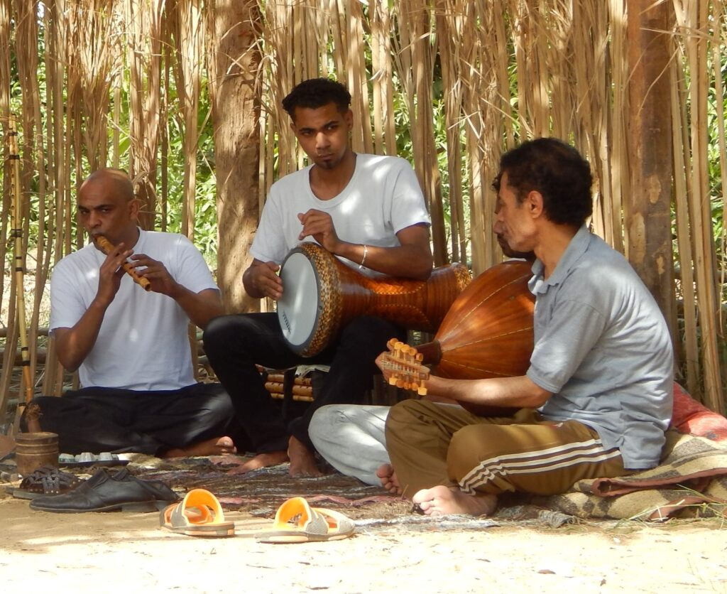 This Upper Egyptian Music clip was recorded two years ago in Nile House Villa in the West bank. These are professional musicians.